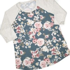 NWOT! never worn! SO SOFT floral and cream sweater